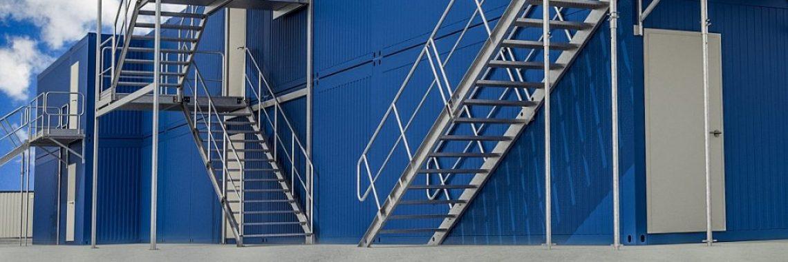 You are currently viewing Mieszkanie na budowie – kontenery budowlane i schody kontenerowe