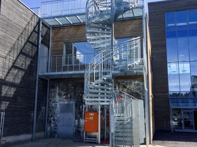 tlc-schody-spiralne-proste-norwegia-www