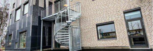 Schody spiralne – ewakuacyjne TLC pojawiły się na terenie szwedzkiej szkoły
