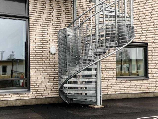schody-ewakuacyjne-zewnetrzne-szwecja-www (2 of 9)